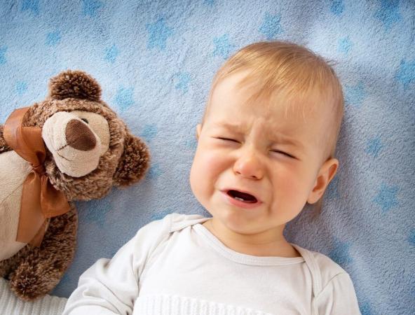 Чим не можна збивати температуру у дітей: 5 небезпечних методів