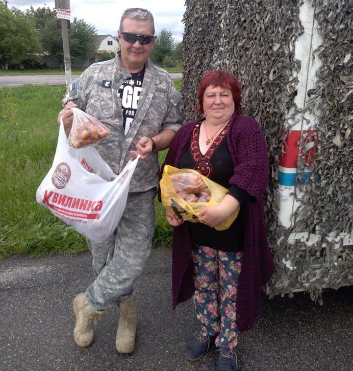 Волонтери з Оржиччини передали допомогу військовим в зону ООС