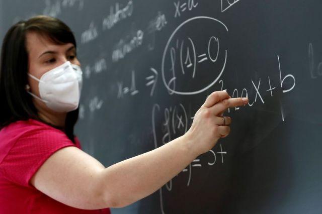 Якщо у школі на COVID-19 захворіє вчитель, епідеміолог визначить, кому  потрібна самоізоляція, – Степанов – Новини Полтавщини