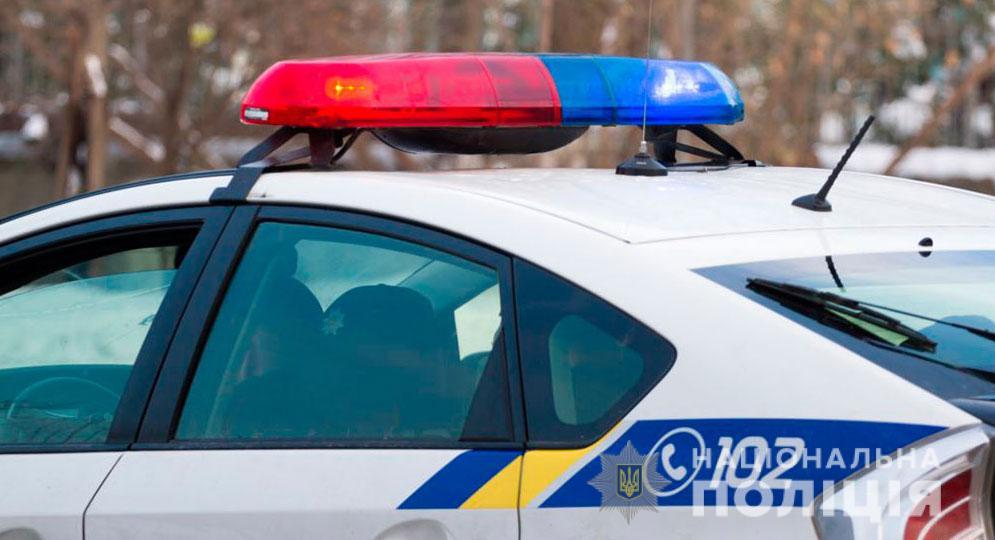 Облив себе та будинок бензином: на Полтавщині правоохоронці врятували життя чоловіку